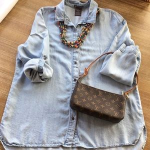 Chelsea & Theodore chambray top
